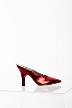 Pamela Anderson nue pour sa nouvelle collection de chaussures