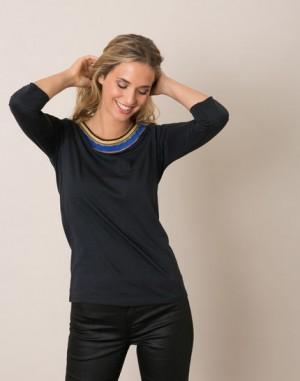 Tee-shirt noir col coloré Magistral – 123