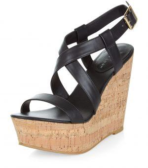 Chaussures compensées en cuir synthétique noir à brides croisées – New Look
