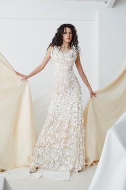 Bridal_SS17_Couture_04C_TheFloralEmbroideredAmberDress_0