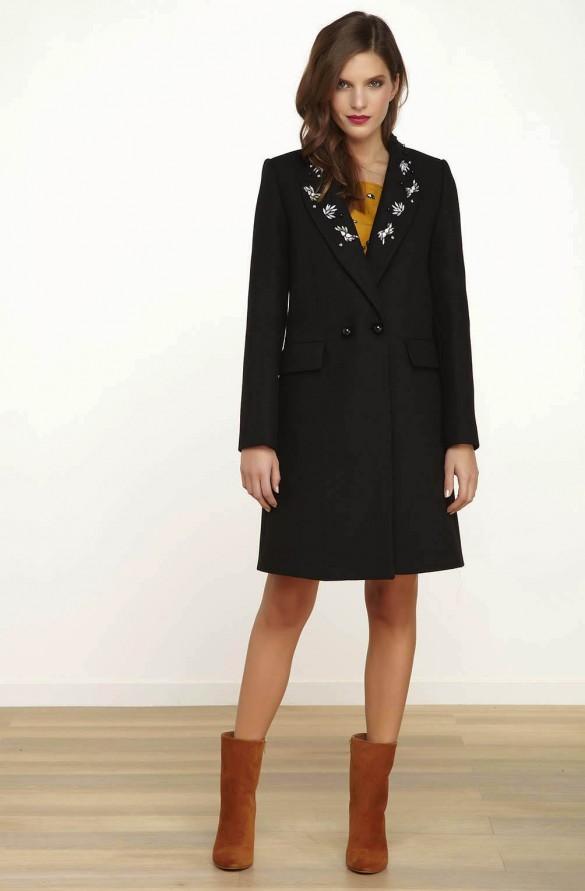 Manteau avec bijoux sur le col noir – droits femme – naf naf