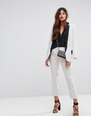 Sisley – Pantalon ajusté à taille élastiquée – Crème