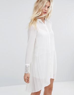 Sisley – Robe chemise à bordures en dentelle – Crème
